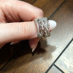 NWOT Large Sparkly Ring